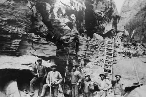 Flam railway workers